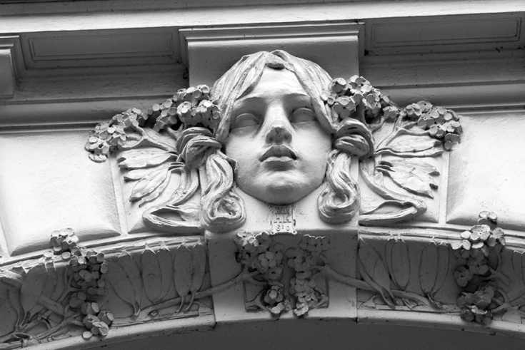 Praag, Parijsstraat, geveldekoratie (Jugendstil)