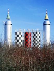 Toren, Kosmonosy, betonarna